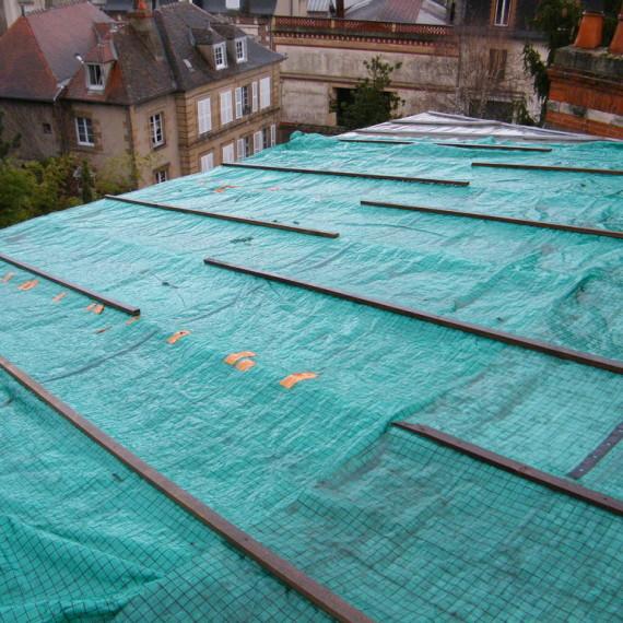 intervention rapide bâchage de toit sécurité